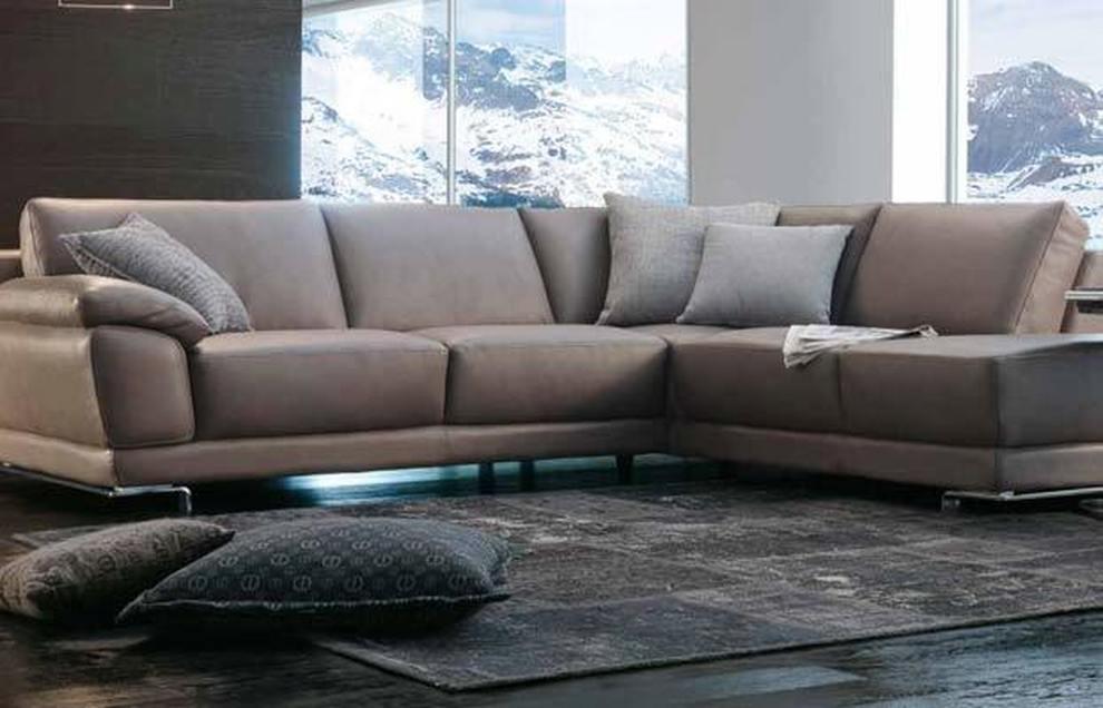 Mobili e divani per 10mila euro: ma i documenti sono falsi