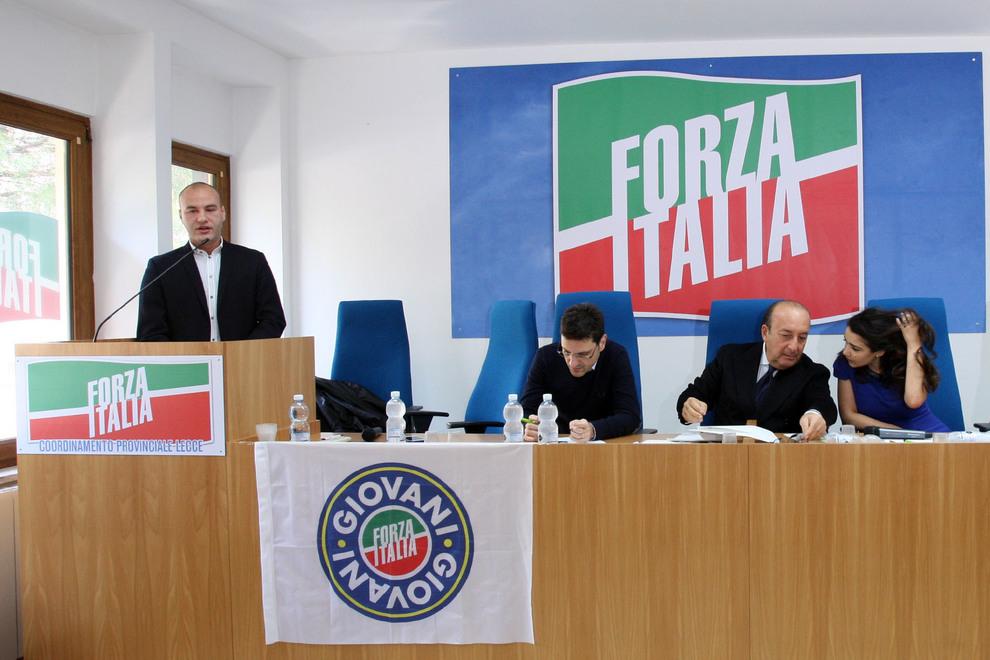 Lecce si dimette il direttivo provinciale di forza italia for Deputati di forza italia