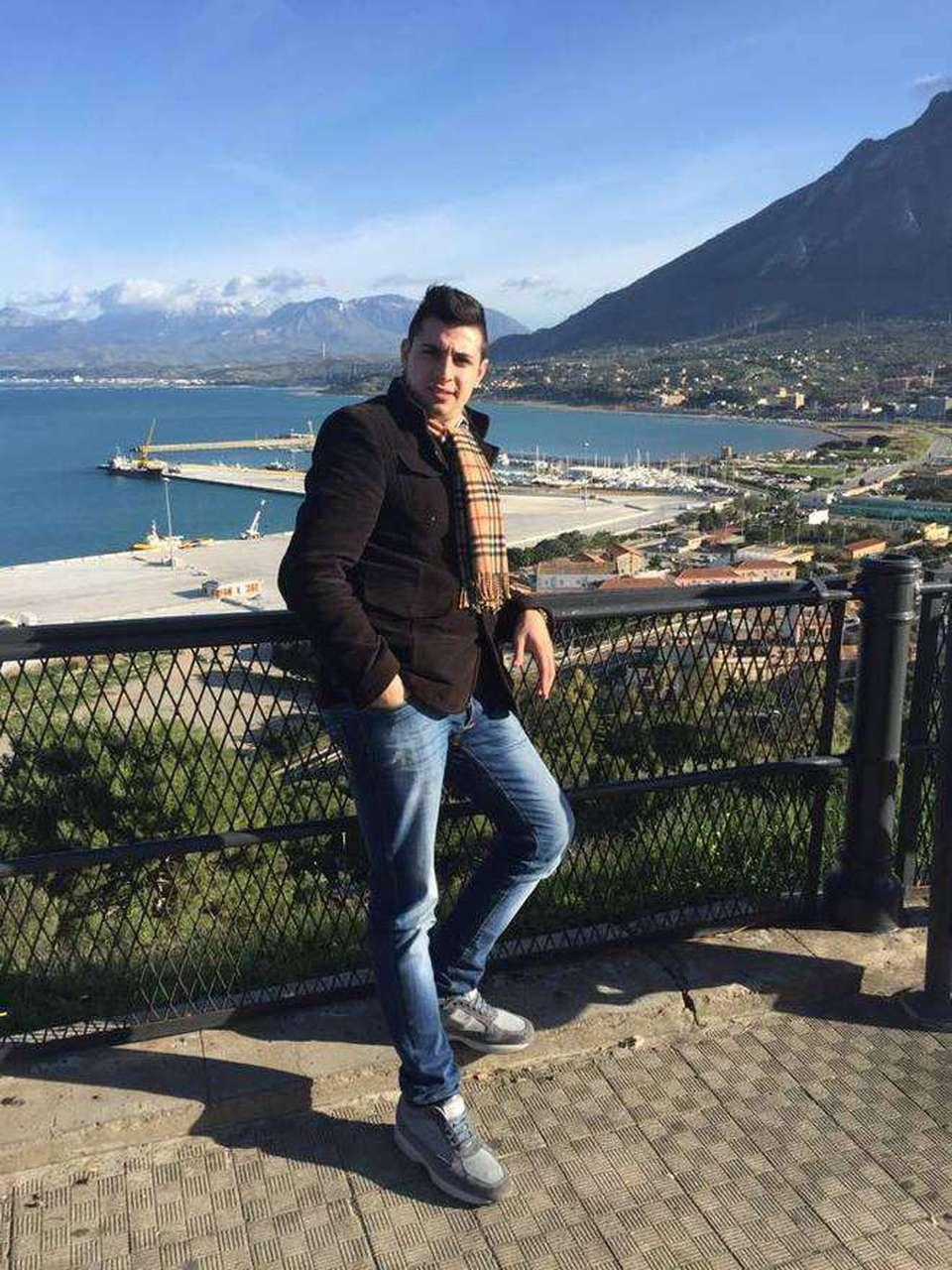 Palermo ventenne morto in monolocale con lui donna in for Monolocale arredato palermo