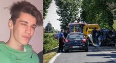 L'incidente nel veneziano, Marco morto a 19 anni dopo l'esame