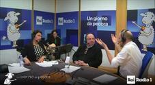 """Baglioni sui migranti, Magalli lo """"bacchetta"""": «Non avrei parlato in conferenza»"""