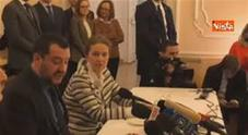 Il ministro dell'Interno: «Altri paesi se ne fregano e noi corriamo» Video
