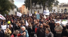 Imprese e negozi chiusi: serrata contro Tap «Battaglia per la dignità»