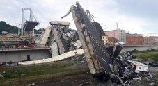 Crollo ponte, l'allarme di Autostrade avvertì il Mit: «Non è sicuro» Toti: «Demolizione entro 30 giorni»