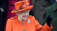 Regina Elisabetta, ecco cosa regala a Natale ai membri della royal family e allo staff