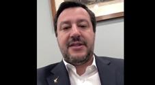 «Salvini fascista sei il primo della lista», il vicepremier denuncia le minacce «dei comunisti»