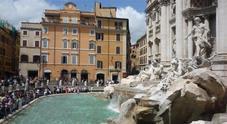 Perché si lanciano le monete nella fontana di Trevi a Roma?
