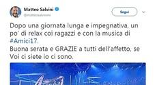 Matteo Salvini guarda con la finale di Amici 17: «Un po' di relax, se voi ci siete io ci sono»