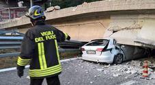 Crolla cavalcavia in Brianza, Tir precipita: un morto e quattro feriti Anas: avevamo chiesto la chiusura