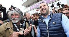 La strana coppia, Salvini con l'amico Corona: «Non sono salvinista, sono alpinista»