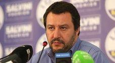 Migranti, Salvini fissa la nuova linea: sbarchi solo da navi militari