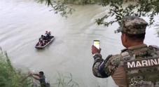 Padre e figlia morti nel Rio Grande mentre cercavano il sogno Usa: le strazianti immagini