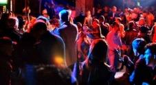 Quattro giovani su 10 hanno già bevuto prima di entrare in discoteca e uno su 10 ha assunto stupefacenti