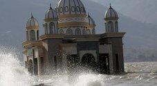 Tsunami in Indonesia, Mario l'italiano vivo per miracolo: «E' stato spaventoso»