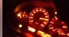 «Stiamo andando a 200 all'ora», si filmano su Facebook: poco dopo muoiono in uno schianto sull'A1