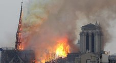 Parigi, brucia la cattedrale di Notre-Dame