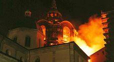 Il precedente: in fiamme 22 anni la cappella della Sindone a Torino