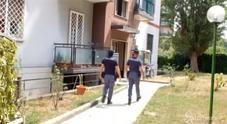 Milano, due cadaveri in casa a Baggio: ipotesi omicidio-suicidio