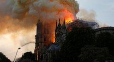Notre-Dame, i vescovi: «Anni di lavoro per la ricostruzione». Sgarbi: «Riaperta nel 2029»