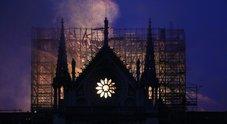 Notre Dame brucia, i jihadisti esultano sul web. E sui social monta la tesi del complotto islamico