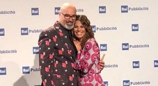 Giovanni Ciacci e la foto con la nuova conduttrice di Detto fatto: «Benvenuta Bianca Guaccero»