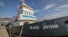 Mare Jonio sequestrata, equipaggio indagato