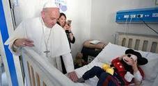 Bergoglio: «Oggi peggio che a Sparta, si scartano i bambini con le malformazioni»
