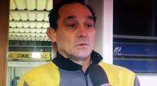 Uccide ladro, Fredy in lacrime davanti ai pm. Così è morto il moldavo: «Choc emorragico mentre fuggiva». Folla alla fiaccolata