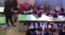Botte, insulti e minacce ai bimbi dell'asilo: arrestata un'educatrice d'infanzia