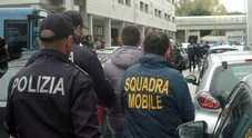 Pizzini dal carcere per controllare il territorio: arrestati 12 affiliati alla Scu