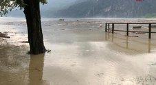 Maltempo in Lombardia, fiumi esondati e frane: tra Lecchese e Bresciano 870 evacuati