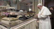 Il Papa da Padre Pio nel santuario che sta cercando di uscire dalla crisi