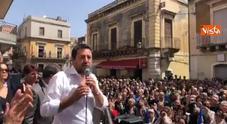 Salvini in Sicilia scherza a un comizio: «Tornerò a Roma con un'abbronzatura invidiabile»