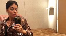 Cristiano Ronaldo, pigiama extralusso per la fidanzata Georgina: è un Vuitton da 2700 euro