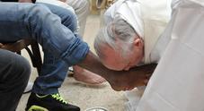 """La lavanda dei piedi della discordia: i due preti """"a rapporto"""" dal vescovo"""