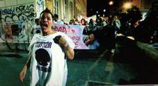 Tensioni alla fiaccolata a San Lorenzo