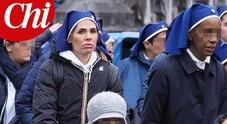 Ilary Blasi suora a Lourdes per aiutare i malati: le foto del pellegrinaggio