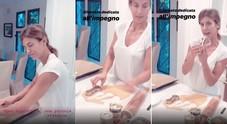 Elisabetta Canalis e i biscotti dalla forma fallica