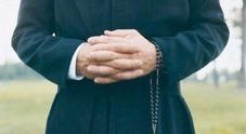 «Violentata dal prete»: 12enne allontanata dalla sua famiglia