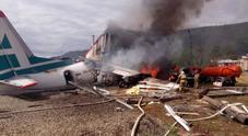 Atterraggio di emergenza in Siberia, morti i due piloti: una trentina i feriti
