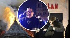 Il prete eroe che ha salvato tra le fiamme la corona di spine: nel 2015 entrò al Bataclan