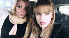 Mamma e figlia di 18 anni morte in un incidente. Camilla scriveva: «Difficile tener testa a Donne che la testa la usano»