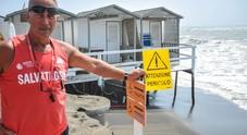 A Ostia mareggiata distrugge le cabineFoto