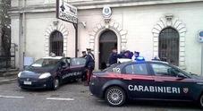Firenze, si cosparge di benzina e si dà fuoco per amore: aiutata dai passanti, muore in ospedale