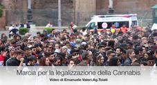 Roma, migliaia in marcia per la legalizzazione della cannabis