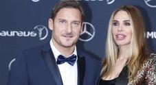 «Sei un demente», Francesco Totti interviene su Instagram dopo la pesante offesa a Ilary Blasi