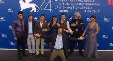"""Venezia, otto minuti di applausi per """"La vita in Comune"""" Il film di Winspeare tra favola e commedia"""