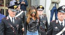 • Processo Corona, Belen scortata dai carabinieri: esposto Codacons