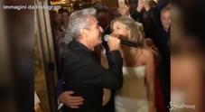 Formentera, si sposa il boss della musica: al ricevimento cantano tutte le star della musica italiana