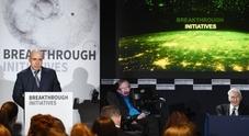 Hawking, il miliardario russo Milner e Zuckerberg: «Ecco l'astronave che raggiungerà Alpha Centauri»